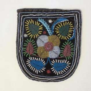 MicMac Beaded pouch/purse c/1870's