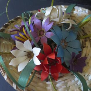 Flower basket, 13 flowers - Close up; flowers -2