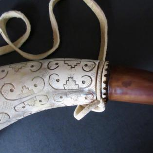 Powder Horn, Penobscot style - Close up