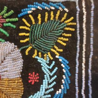 Vintage MicMac/Mi'kmaq beaded pouch - close-up 2