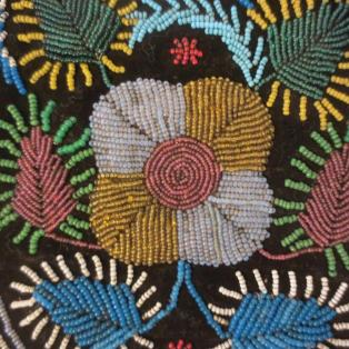 Vintage MicMac/Mi'kmaq beaded pouch - close-up