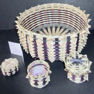 Sewing Basket +w/3 accessory baskets